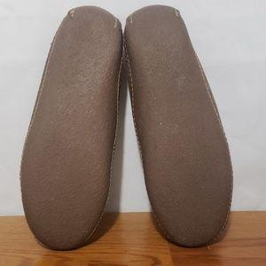 L.L. Bean Shoes - L L Bean Men's Handsewn Slippers Flannel-lined